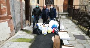 Foto-Consegna-viveri-Parrocchia-Cristo-Re